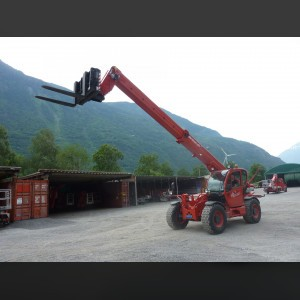 Telescopic forklift 7T